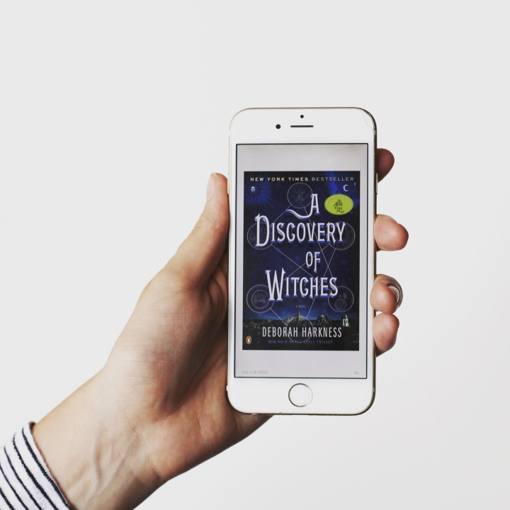 "Review: ""A Discovery Of Witches"" by Deborah Harkness"