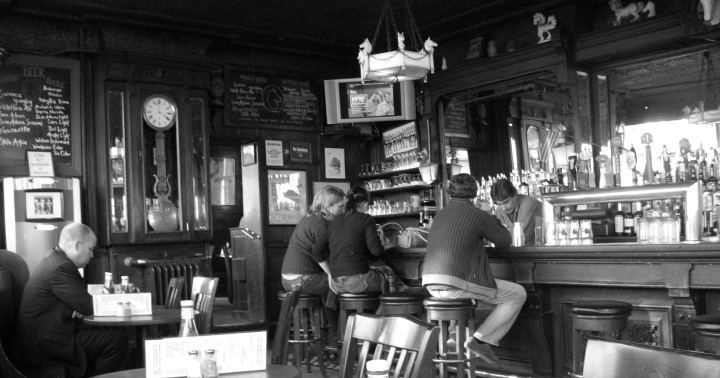 White_Horse_Tavern_(New_York_City)_2007